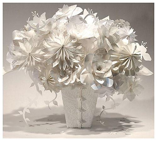 Как сделать белые цветы из бумаги своими