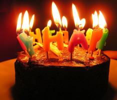 Как поздравить любимого с Днем рождения?